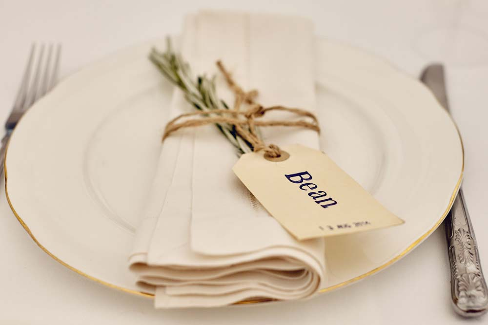 DIY Wedding place setting - www.helloromance.co.uk