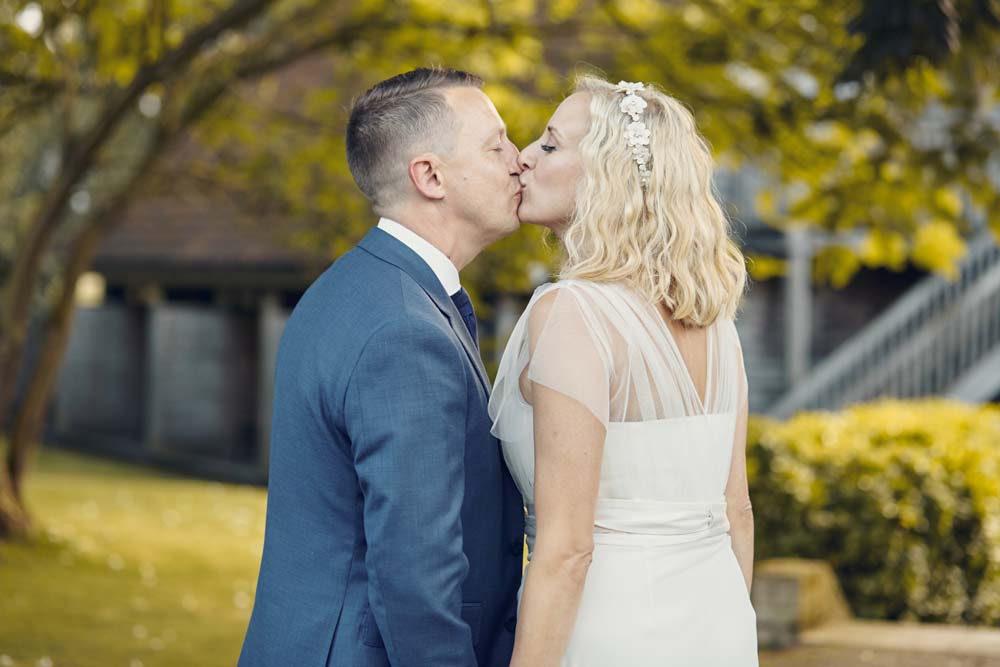 Romantic photos at Tuddenham Mill - www.helloromance.co.uk