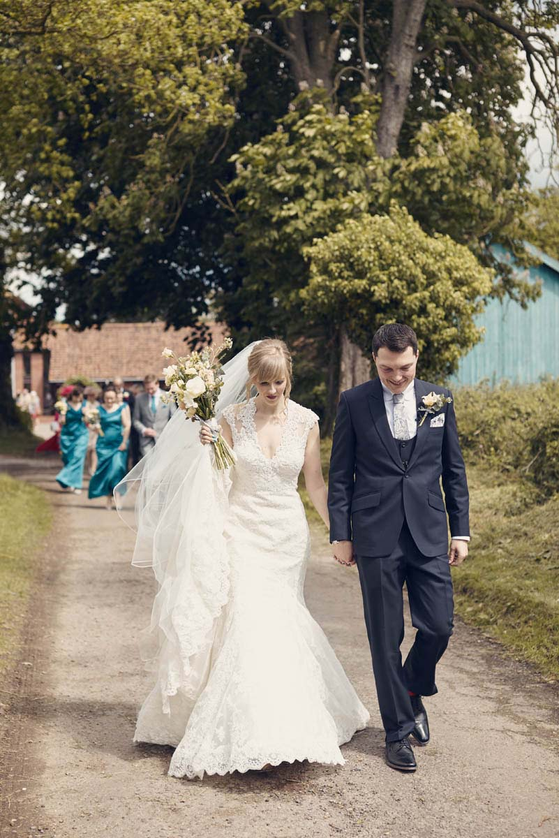 Thornham Coach House Wedding Photos - www.helloromance.co.uk