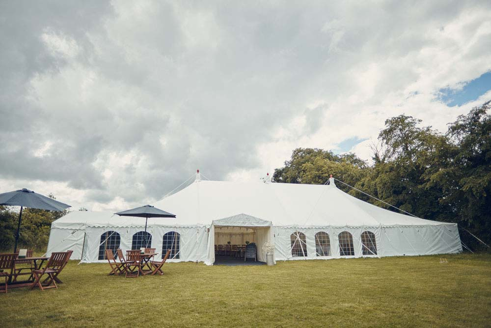 Marquee wedding, Great Wilbrham, Cambridgeshire - www.helloromance.co.uk