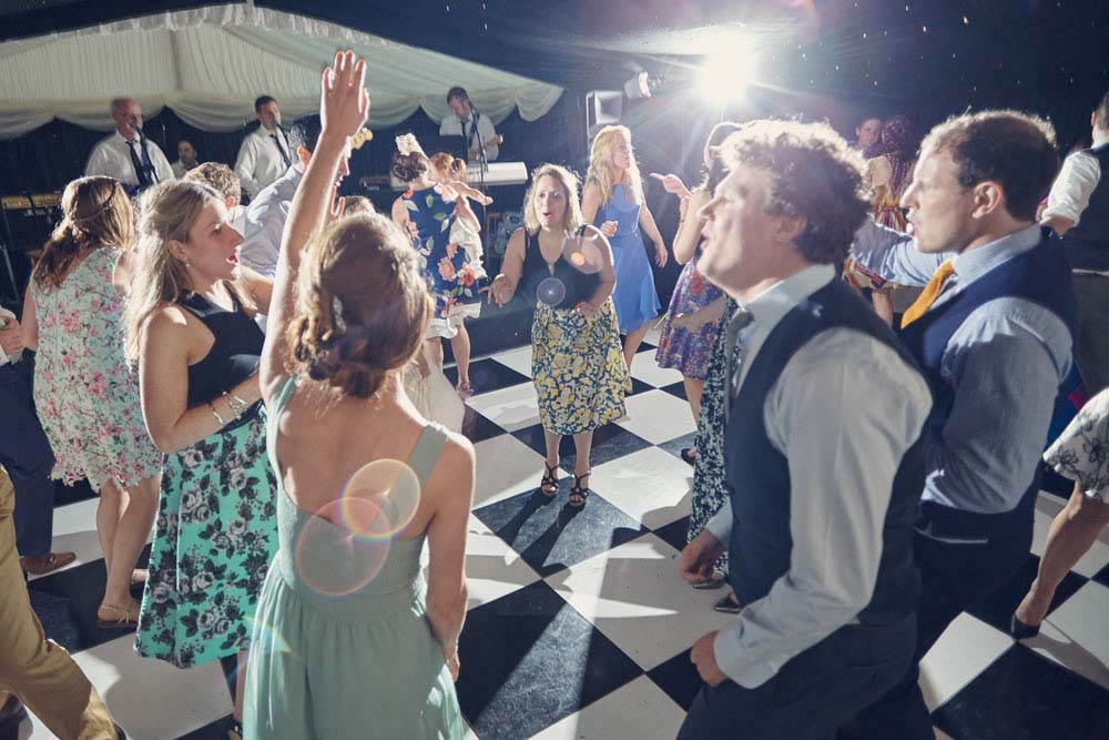 wedding dance floor, Great Wilbrham, Cambridgeshire - www.helloromance.co.uk