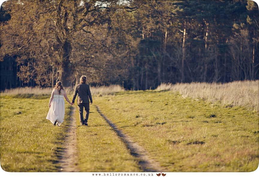 Stunning evening wedding photos - www.helloromance.co.uk