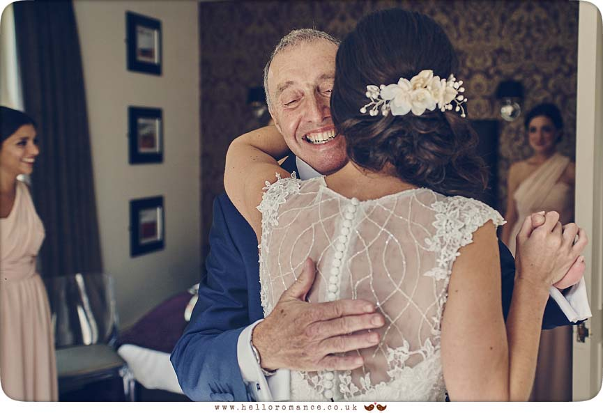 Beautiful moment when Bride sees father for the first time at wedding - www.helloromance.co.uk