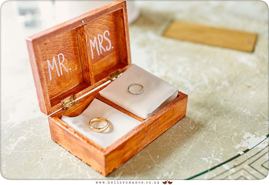 Wedding Rings in rustic wooden box - www.helloromance.co.uk