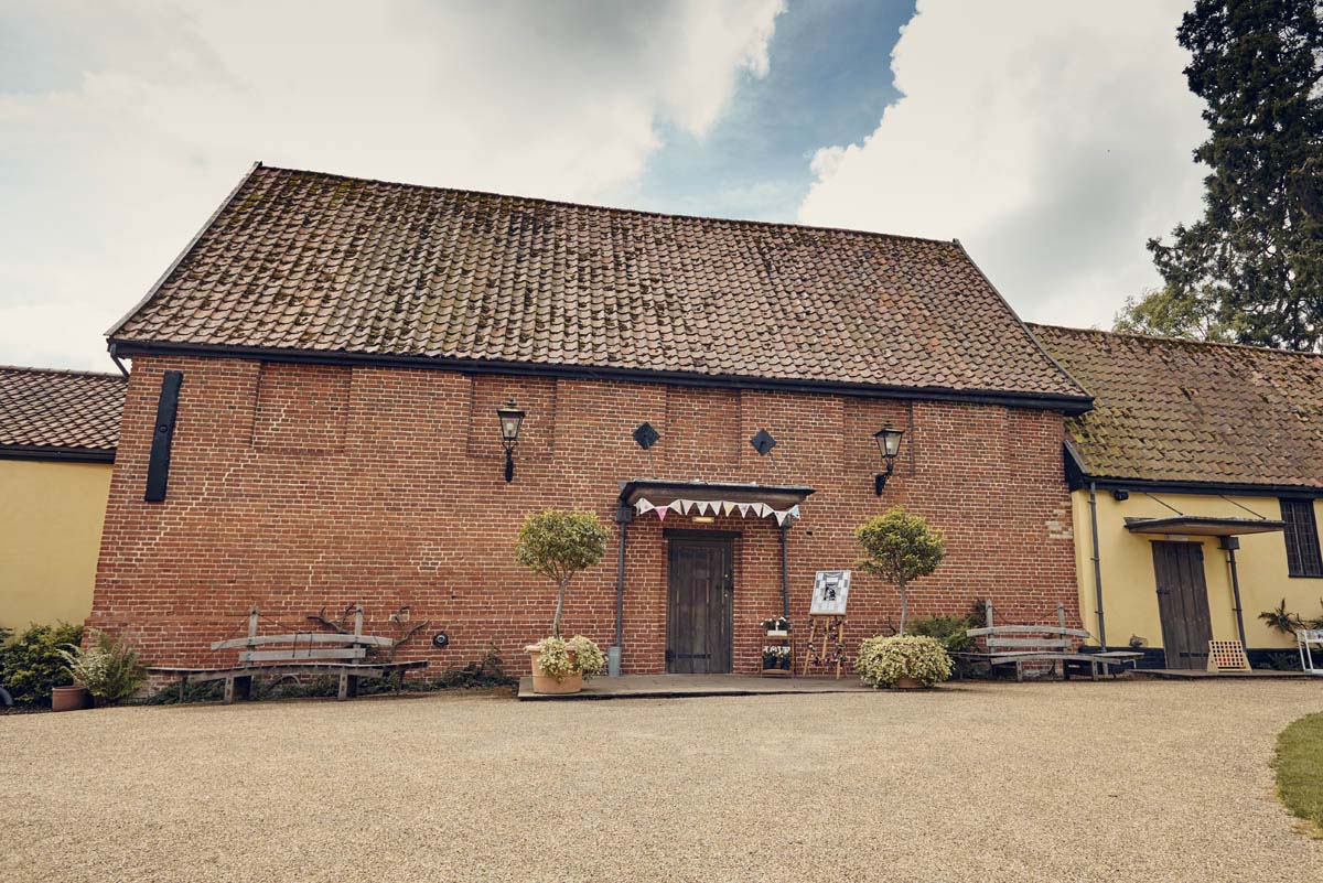 Haughley Park Barn Wedding Photography - www.helloromance.co.uk