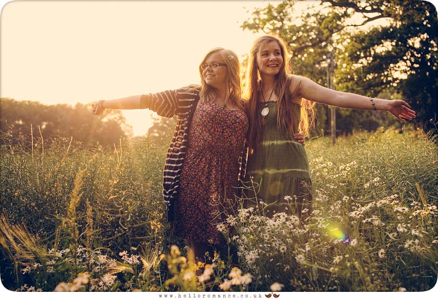 Sisters in tall grass Daisies Sunset On Location Portrait Vintage Alternative Photography Suffolk Stowmarket www.helloromance.co.uk