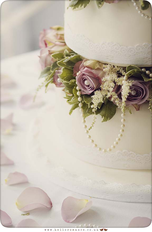 Vintage Wedding Cake - Hello Romance Wedding Photography Suffolk