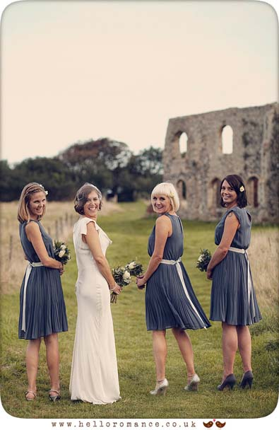 Dunwich Greyfriars Monastery Ruins wedding photos - www.helloromance.co.uk