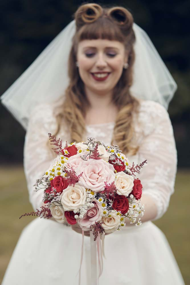 Vintage Southend Bride - www.helloromance.co.uk
