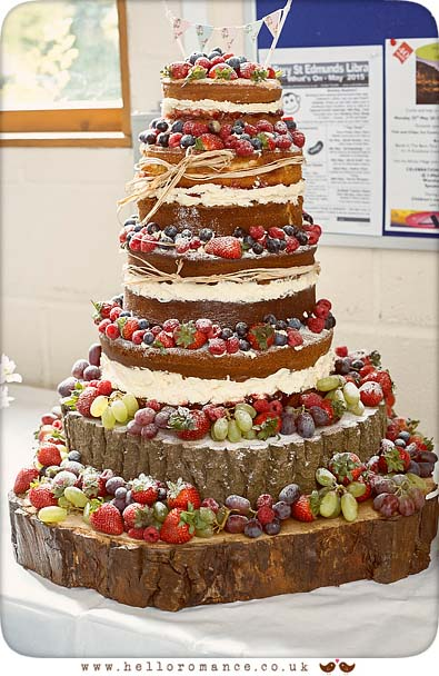 Rustic naked wedding cake - www.helloromance.co.uk