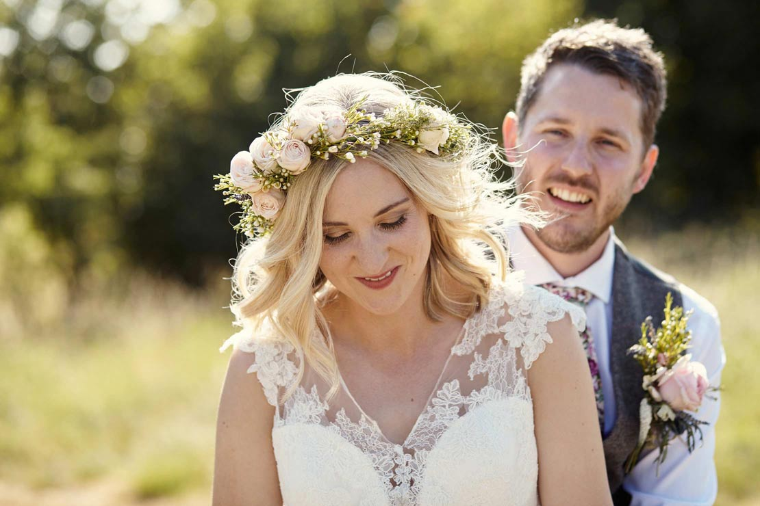 Beautiful floral crown wedding photography - helloromancephotography.com